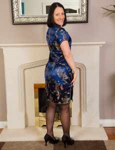 Sexy 39 Year Old  Brown Haired Amber L from  Milfs30 Jiggling Her  Butt