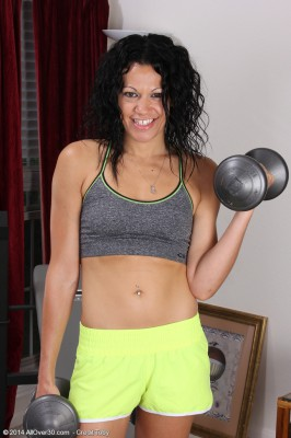 After a Superb Workout 30 Year Old Naira Smith Relieves Her Warm Box