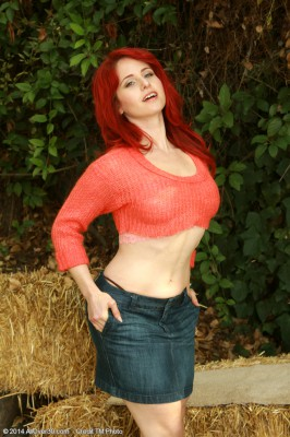 Wild 33 Year Old Redhead Andrea Rosu Posing Nude About a Hay Bail