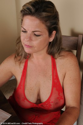 37 Year Old Marie Michaels from  Milfs30 Playing with Her Big Bangers
