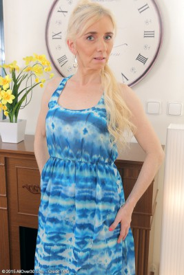 Hot 48 Yr Old  Blond Dorena Complete the Woman Dress and Shows Box